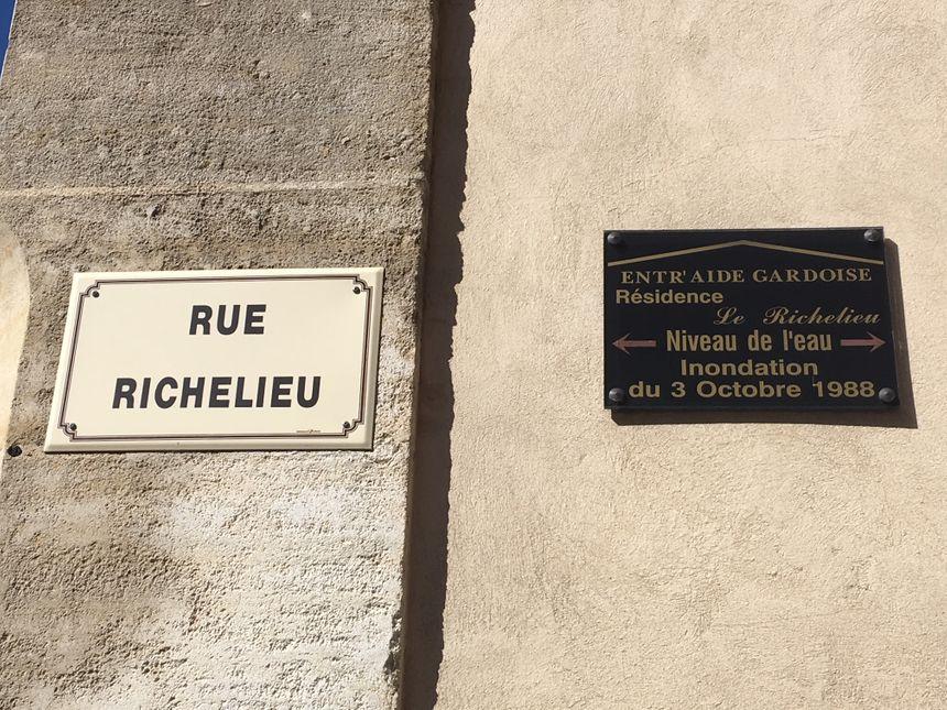 Dans la rue Richelieu, l'eau  est montée à plus de 2 mètres