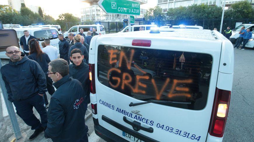 ambulanciers en colère (illustration)
