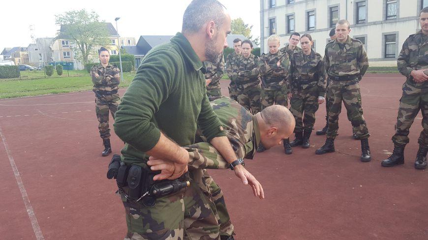 La Préparation Militaire Gendarmerie  est la formation pour les civils pour devenir réserviste.