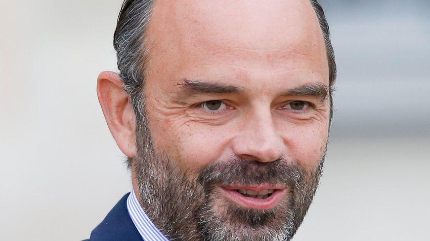 douard Philippe à la sortie du conseil des ministres sur le perron de l'Elysée le 24/10/18