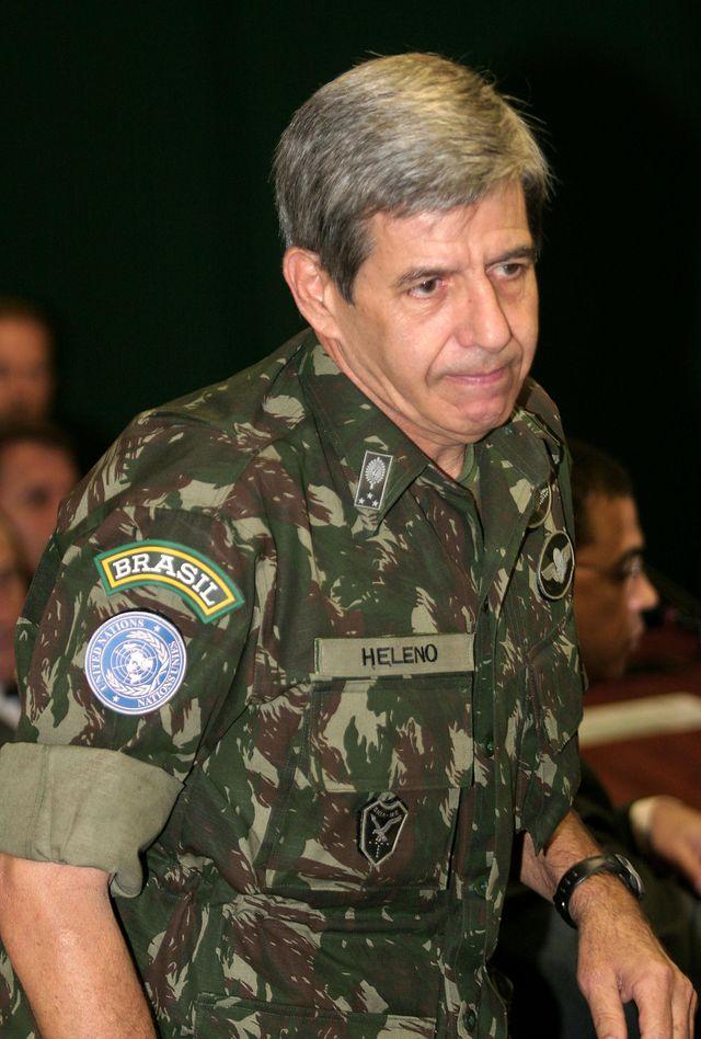 Augusto Heleno, général et mentor de Bolsonaro