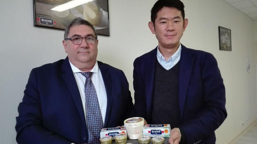 Michel Papot, directeur général adjoint de la coopérative laitière de la Sèvre et Tomoku Umezawa, manager général de la filiale Angleterre de Kataoka