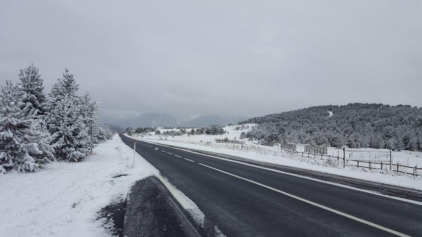 La route départementale qui traverse le Capcir