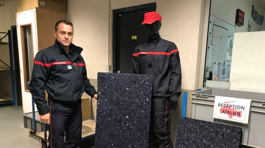 Avec cet isolant recyclé, les pompiers de l'Indre espèrent décrocher le trophée de l'innovation le 21 novembre prochain.