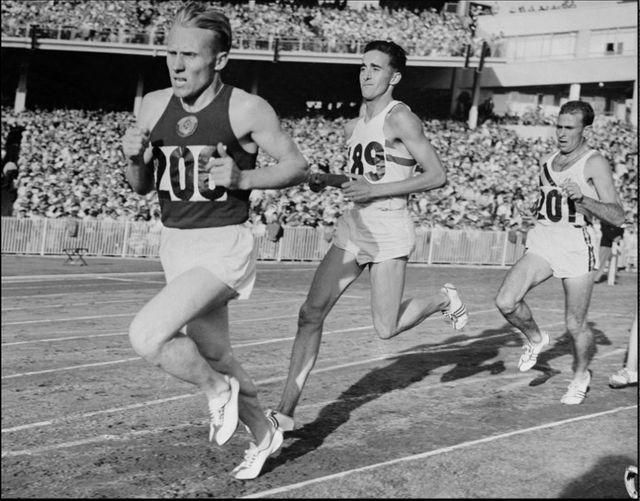 Vladimir Kuts, le premier athlète soviétique à devenir champion olympique : il remporta deux médailles d'or, pour le 5.000 m et pour le 10.000 m, aux Jeux Olympiques de Melbourne (Australie) en 1956.