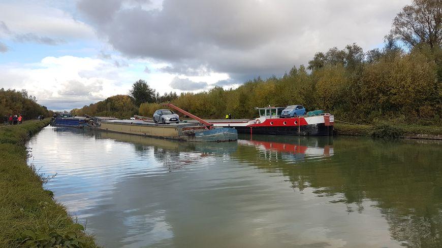 Vendredi soir deux navires sont entrés en collision Canal du Nord près de Péronne