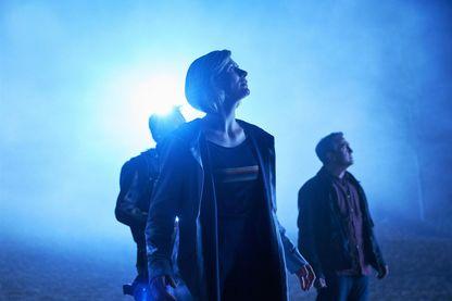 """Bradley Walsh, Jodie Whittaker, Shaun Dooley dans la dernière saison de """"Doctor Who"""" (actuellement diffusée sur France 4)"""