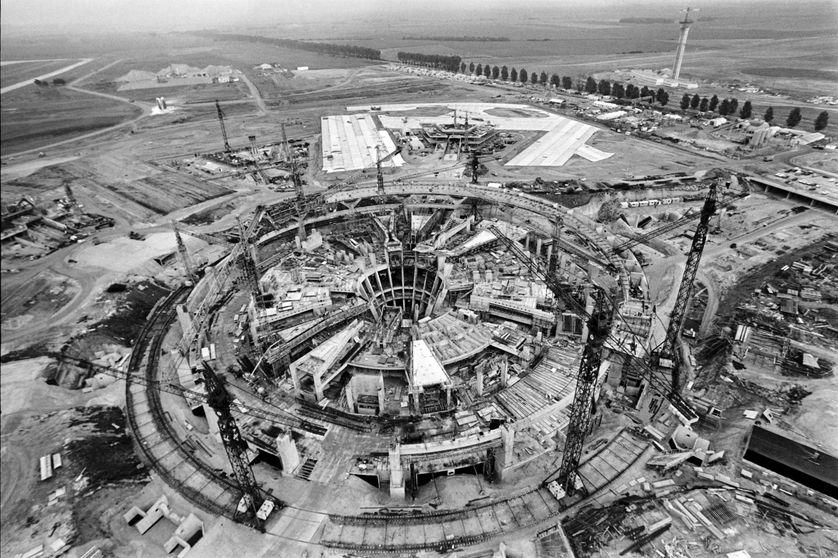 """Photo prise en septembre 1971, de l'aéroport """"Charles de Gaulle"""" de Roissy en construction, à 27 km au Nord de Paris"""