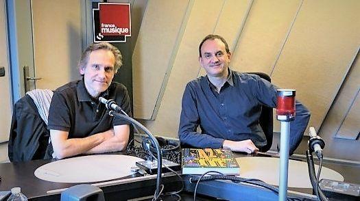 """Laurent Valière """"42e Rue : La grande histoire des comédies musicales""""  Éditions Marabout-Radio France"""