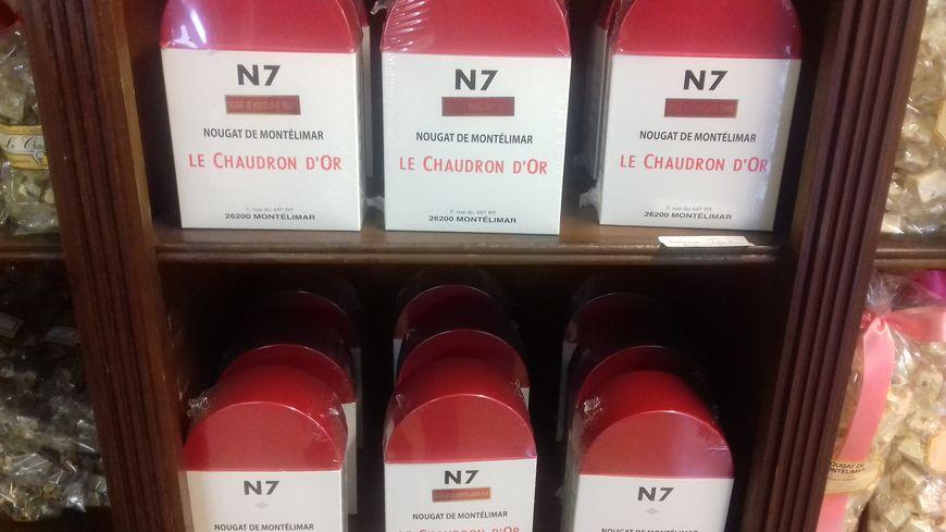 Des bornes N7 dans la boutique du Chaudron d'Or à Montélimar (Drôme)