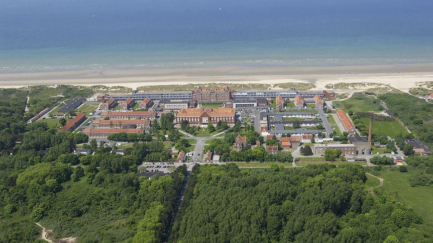 Vue aérienne de l'hôpital de Zuydcoote
