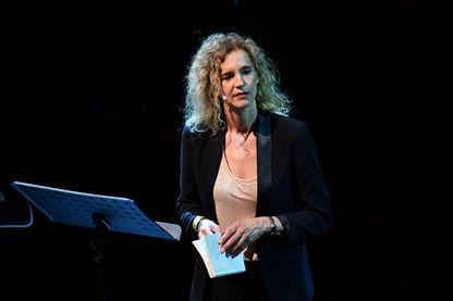 Delphine de Vigan, écrivaine française, en conférence lors des Francofolies de La Rochelle en juillet 2017
