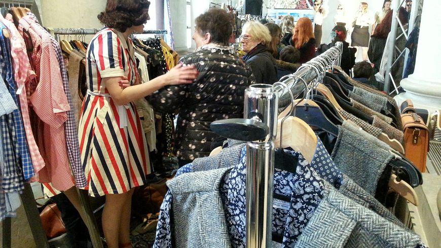Vêtements et accessoires vintage sont venus compléter l'élection de Miss Pin-Up France à Nancy