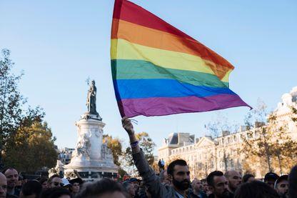 Manifestation place de la République en soutien aux victimes de l'homophobie