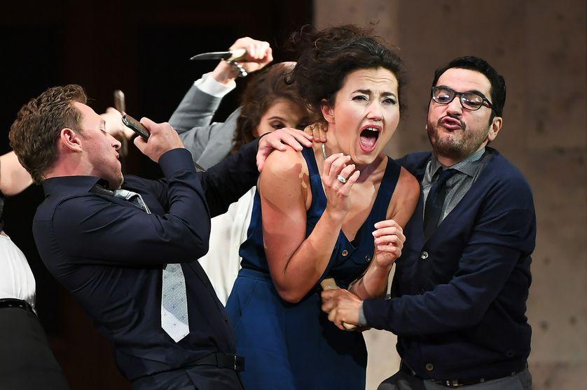 La chanteuse lyrique Stéphanie d'Oustrac interprète le rôle de Carmen, dans la version du metteur en scène Dmitri Tcherniakov, le 27 juin 2017, à Aix-en-Provence.