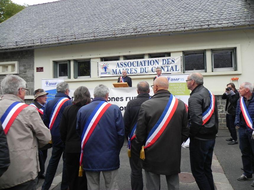 Les maires du Cnatl très remontés contre l'opérateur Orange