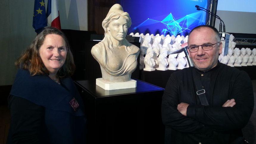 Christine Lambert, sculptrice et Denis Lionnet, modeleur-mouleur.