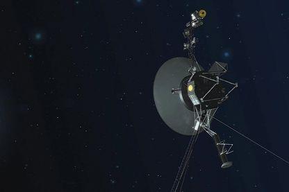 Cette image (illustration), publiée par la NASA, détaille le vaisseau spatial NASA Voyager 1 avec son antenne dirigée vers la Terre. Les vaisseaux jumeaux Voyager 1 et 2 explorent des zones où rien n'avait volé auparavant.