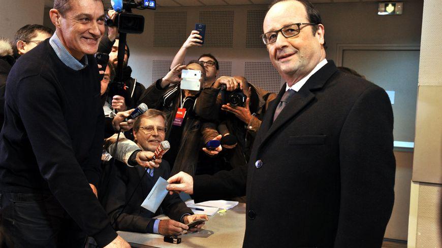 François Hollande a toujours pu voter à Tulle, même lorsqu'il était président de la République, grâce à la location d'une partie de son ancienne permanence parlementaire