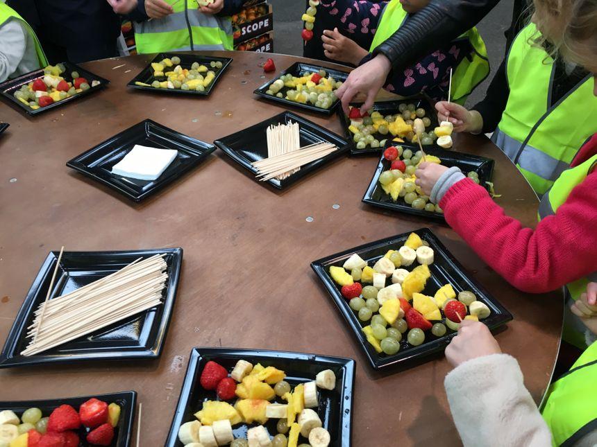 Atelier brochette de fruits