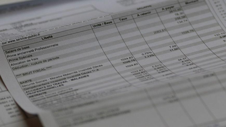 Le Salaire Moyen D Un Non Cadre Serait De 1 605 Euros Brut Par Mois