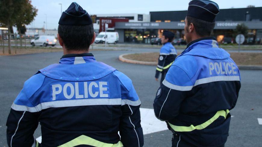 Les contrôles routiers ce lundi ont été renforcés par 16 CRS de la région.