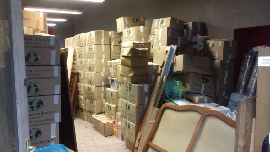 Plus de 1000 cartons ont été remplis d'objets divers