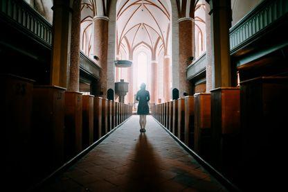 """Après 9 ans d'absence, le titre de presse """"Témoignage chrétien"""" revient en kiosque, une parole résolument de gauche, engagée et libre vis-à-vis de l'Eglise."""