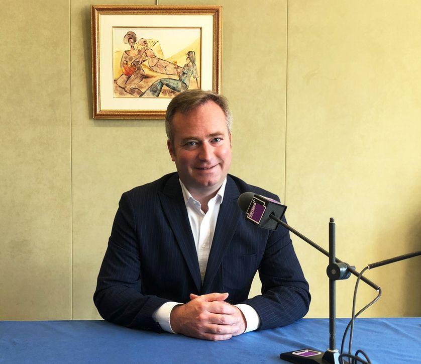 Le secrétaire d'Etat Jean-Baptiste Lemoyne dans son bureau du ministère des Affaires étrangères le 10 octobre à Paris