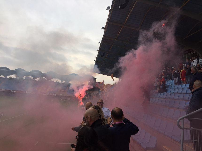 Les supporters de l'USAP à la veille du match contre Toulouse