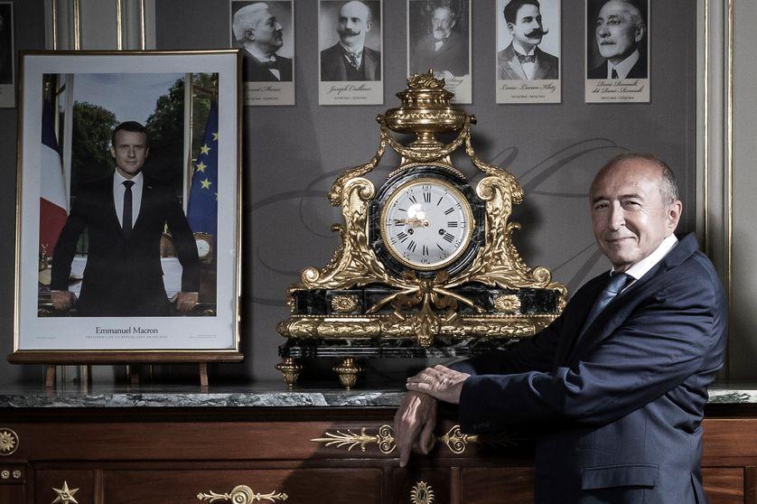 Gérard Collomb pose au Ministère de l'Intérieur en août 2018