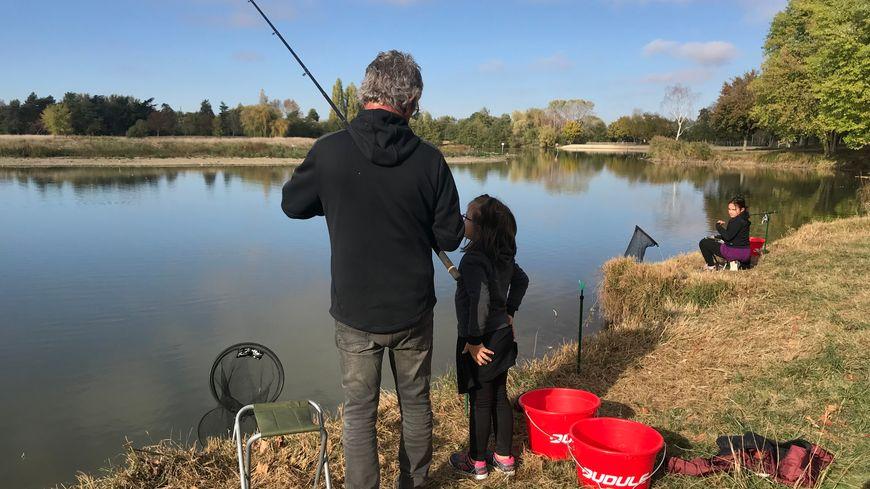 Dans le lac de Belle-Isle, les carpes se font rares en ce mois d'octobre.