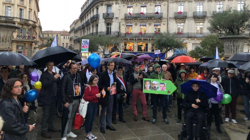 Les manifestants réunis place des Martyrs de la résistance, devant la préfecture de Montpellier