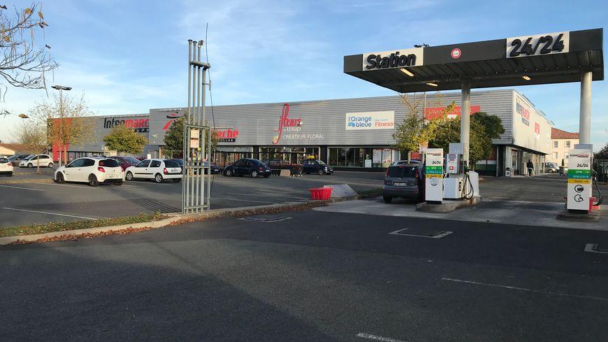 La zone commerciale du Pas de St Jacques à Buxerolles