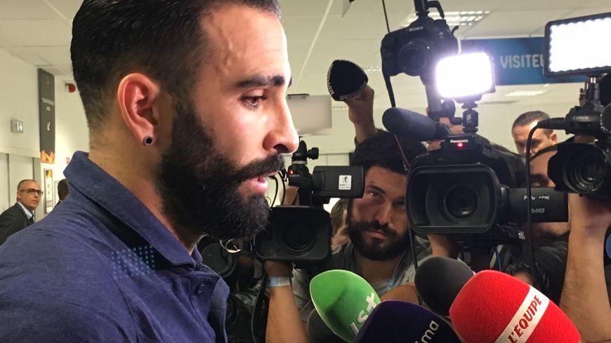Le défenseur de l'OM Adil Rami après la défaite de Marseille face à la Lazio de Rome en Europa League