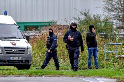"""Opération de prévention contre le terrorisme, au siège de l'association religieuse """"Zahra France"""" à Grande-Synthe, le 02 octobre 2018."""