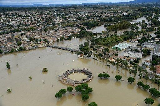 Vue aérienne de la ville de Trèbes, dans l'Aude