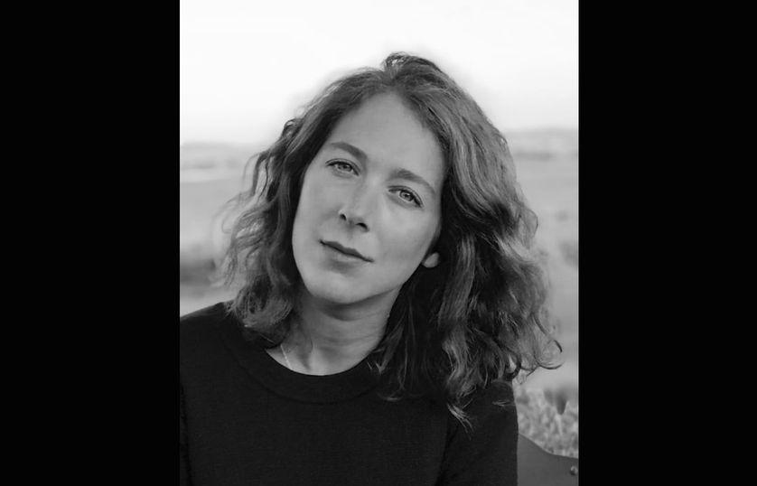 Marine Revol, journaliste pour les pages sociétés de magazines féminins