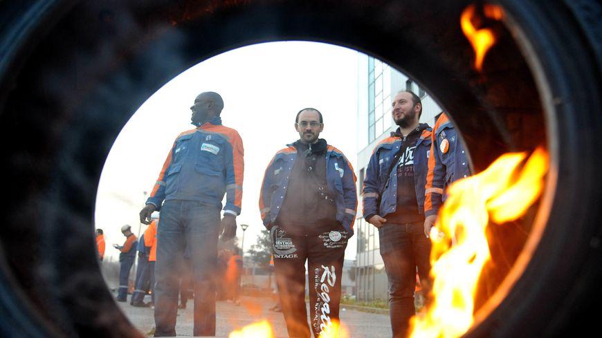 Manifestation des salariés d'Ascoval le 18 octobre à St Saulve contre la fermeture probable de leur usine.