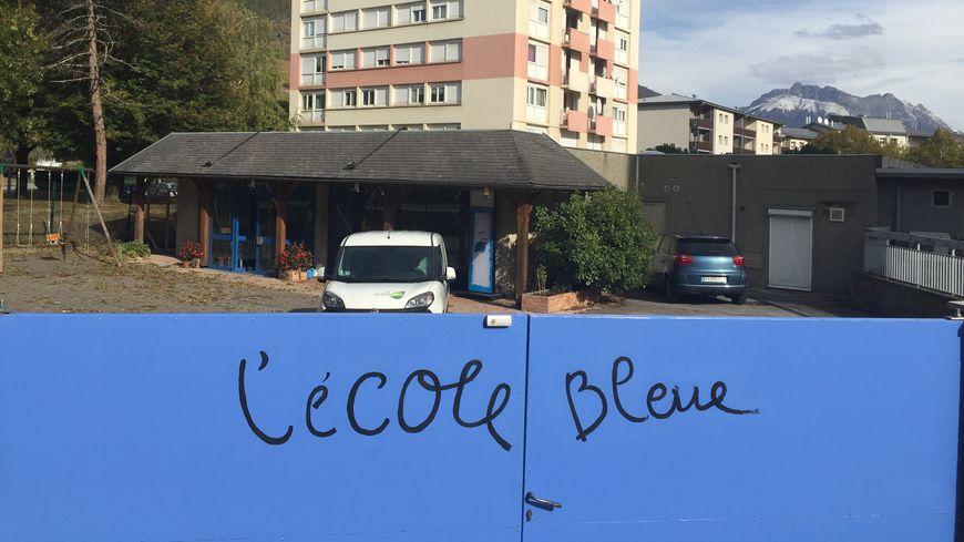 L'école Bleue accueille 25 élèves âgés de 3 à 10 ans