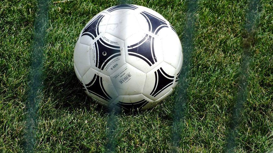 Le foot et La Chapelle-Viviers. Une histoire de 90 ans