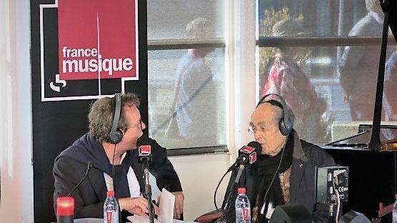 France Musique, en direct des Vedettes de Paris, au pied de la Tour Eiffel... Benoît Duteurtre & Michel Legrand