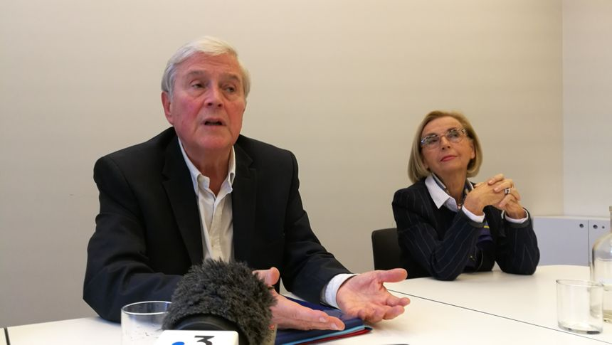 Michel Veunac et Jocelyne Castaignede lors de la conférence de presse de vendredi
