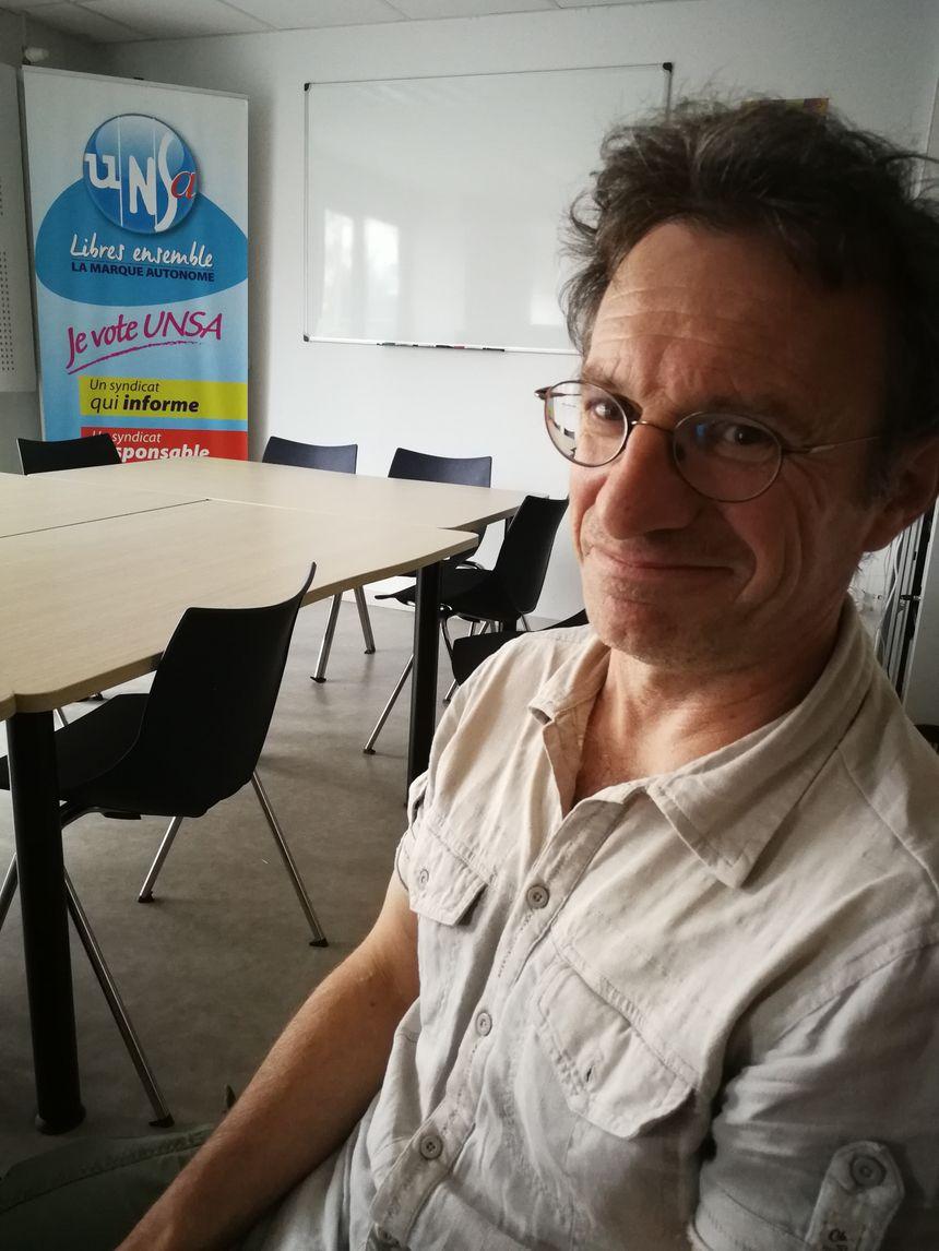 """Pour Yannick Plumet ces personnels très utiles dans l'école """"inclusive"""" voulue par le gouvernement serait de fait considérée comme la 5e roue du carrosse"""