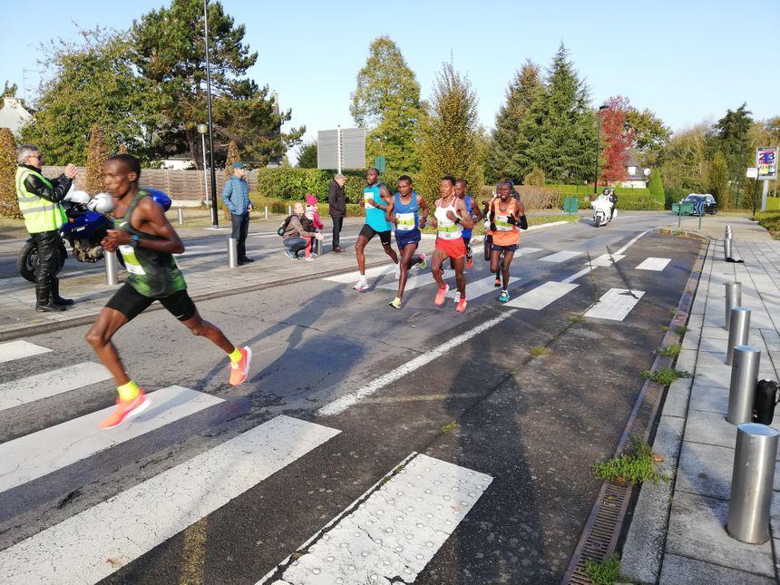 Il étaient 1 700 a participer au Marathon de 42 kilomètres
