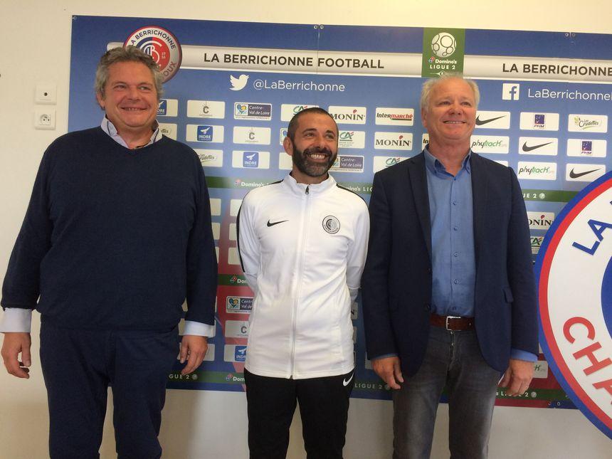 Bruno Allègre, Pdt délégué de la Berri, Nicolas Usaï, le nouveau coach et Thierry Schoen, Pdt de la Berrichonne
