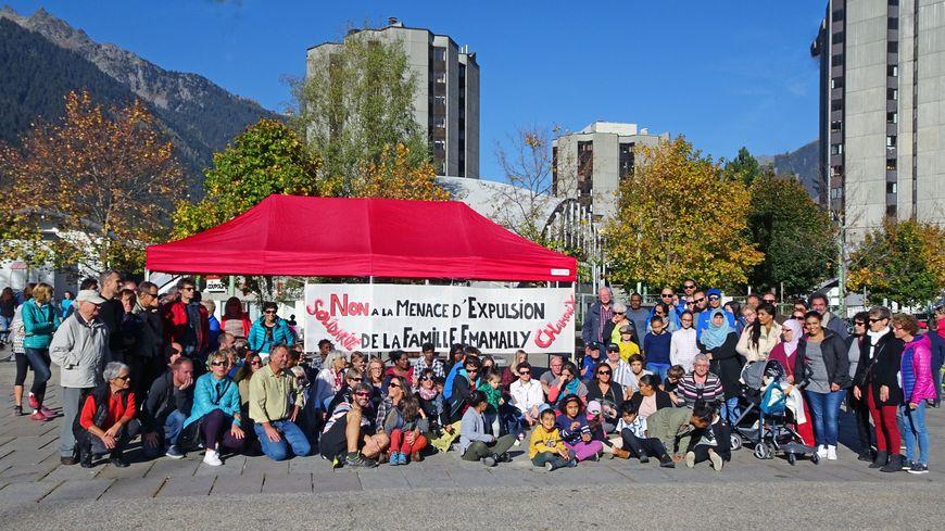 300 citoyens et élus se sont rassemblé le week-end dernier pour soutenir la famille.