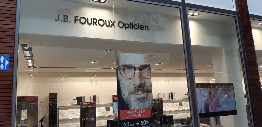 Jean-Baptiste Fouroux emploie 4 salariés dans sa boutique d'optique à Montauban.