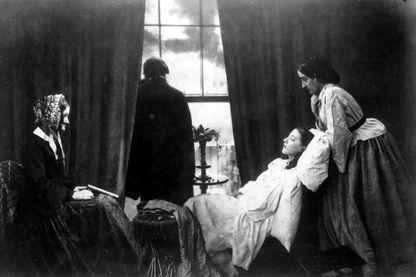 Si nous étions en 1913... l'espérance de vie serait de 53 ans... et nous aurions déjà perdu beaucoup de nos proches de maladies...