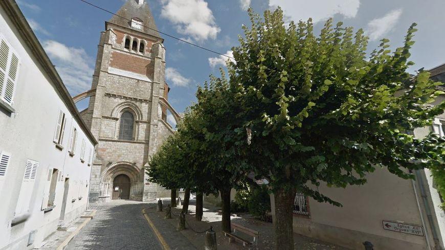 L'abbé Pierre de Castelet, ancien curé de Lorris, est jugé pour agressions sexuelles sur mineurs de 15 ans